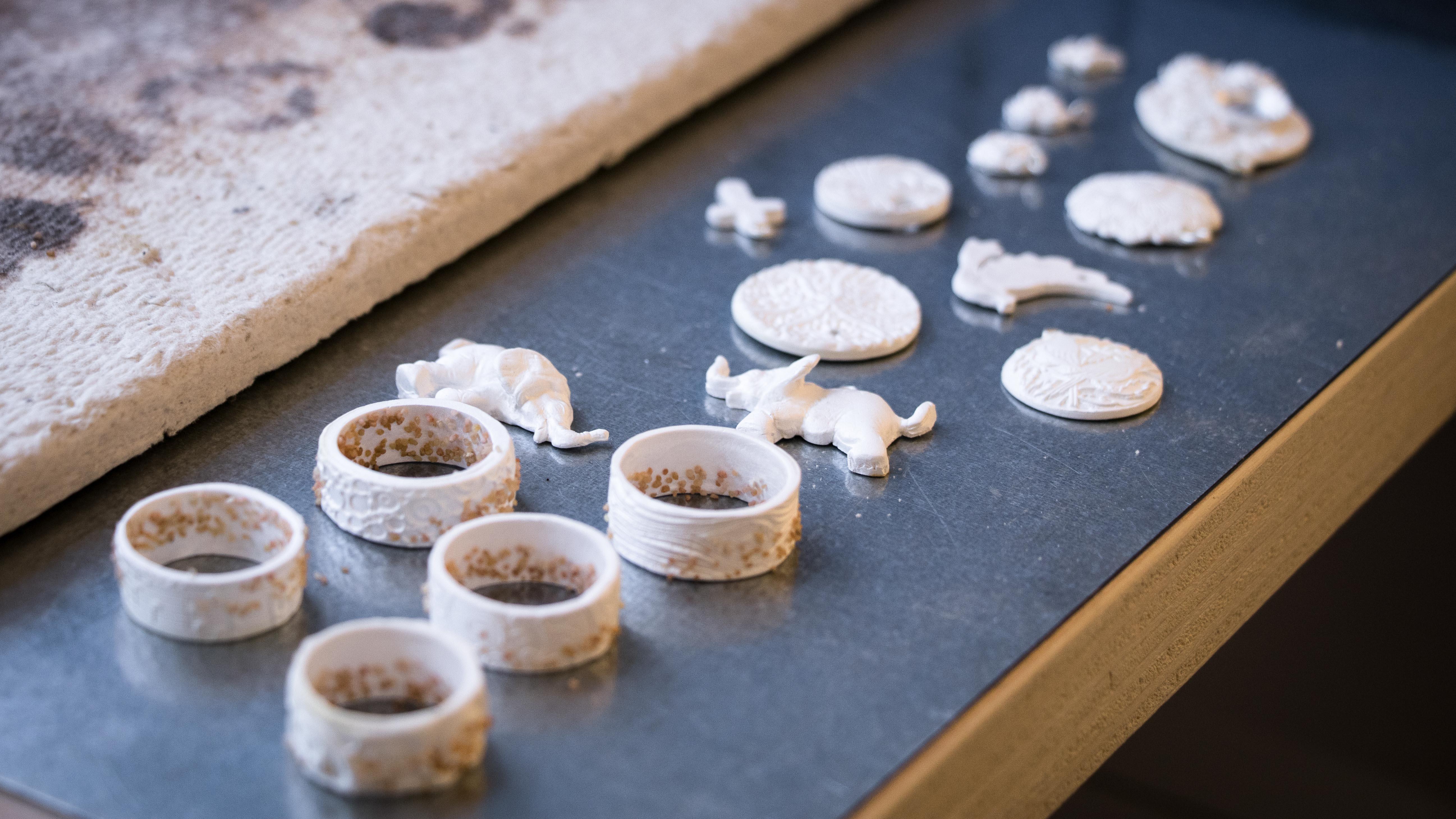silver clay kurs im atelier himmelsperlen individueller silberschmuck. Black Bedroom Furniture Sets. Home Design Ideas