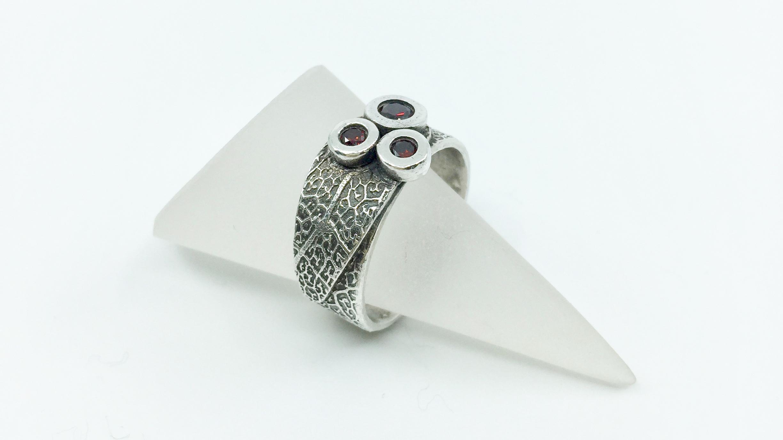 Kunsthandwerk Ring mit Blatt Art Clay Silver Himmelsperlen