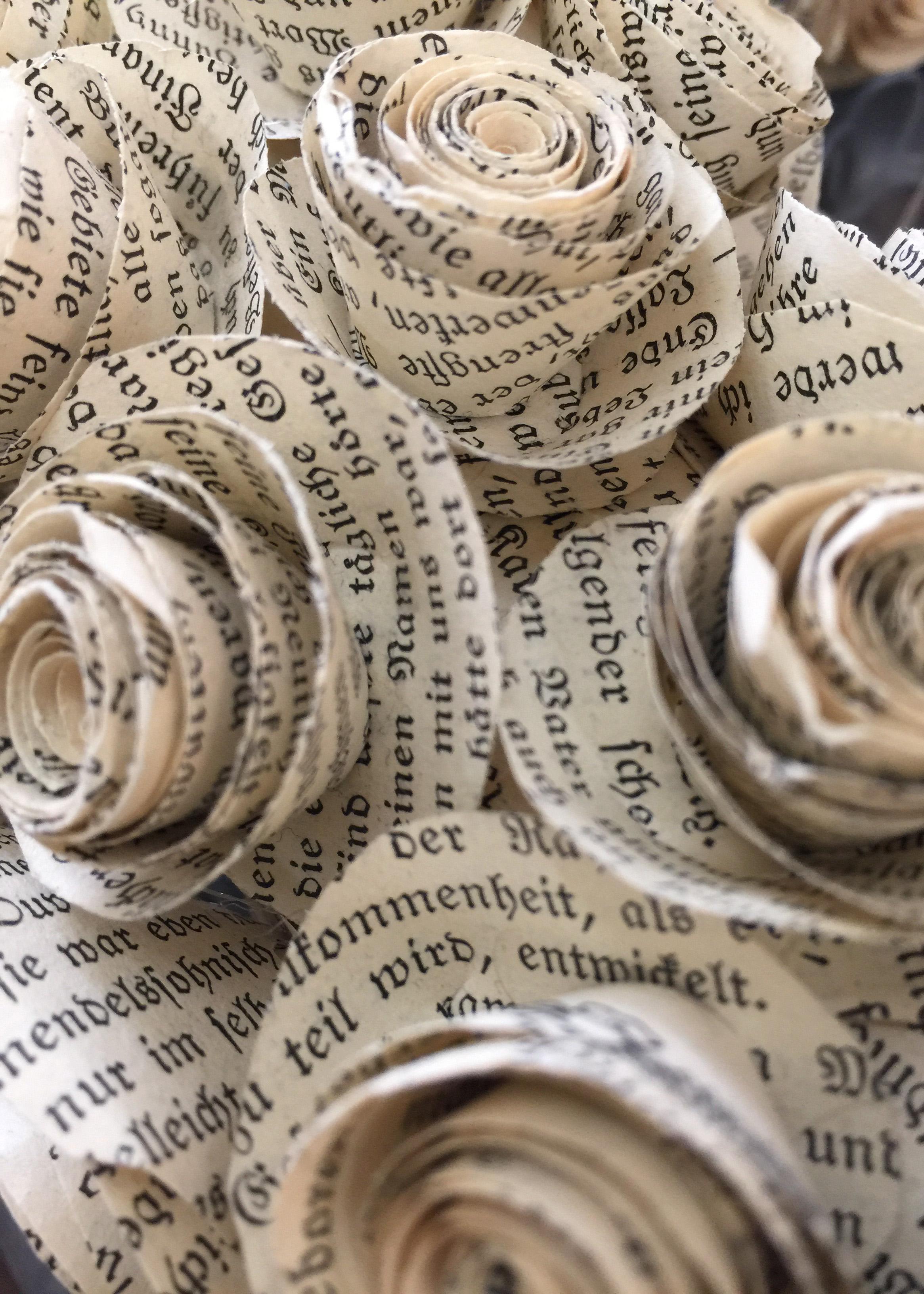 Kunsthandwerk Mixed Media Papierrosen Himmelsperlen