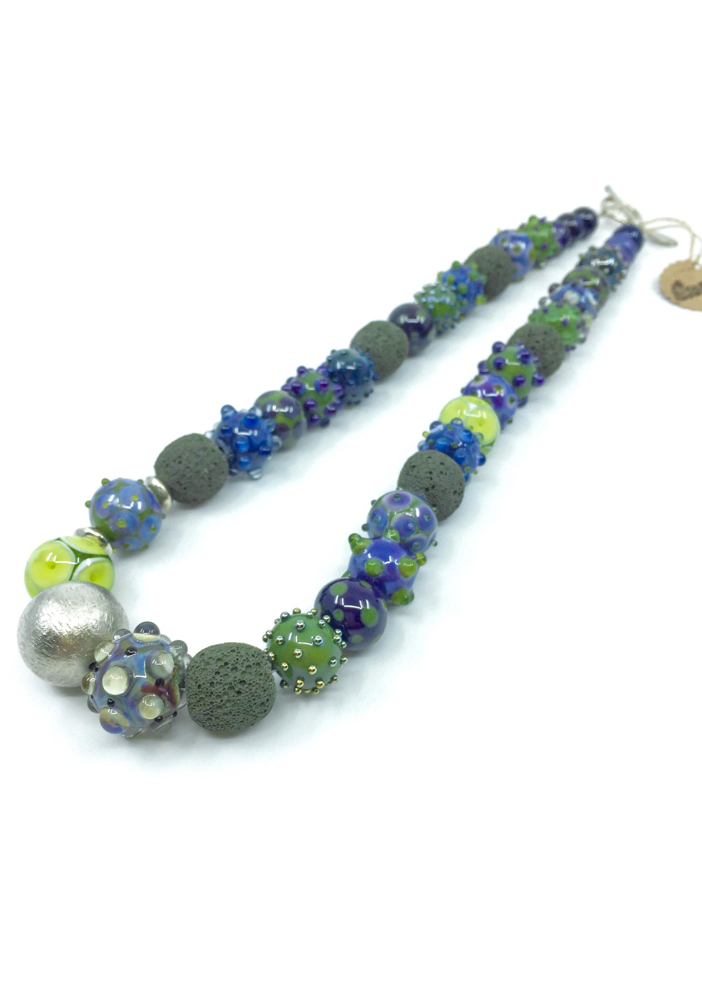 Kunsthandwerk Halskette olive