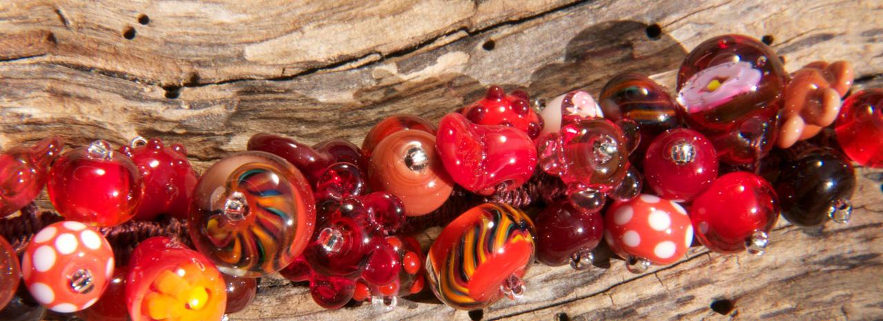 Glasperlen drehen Armband geknüpft rot