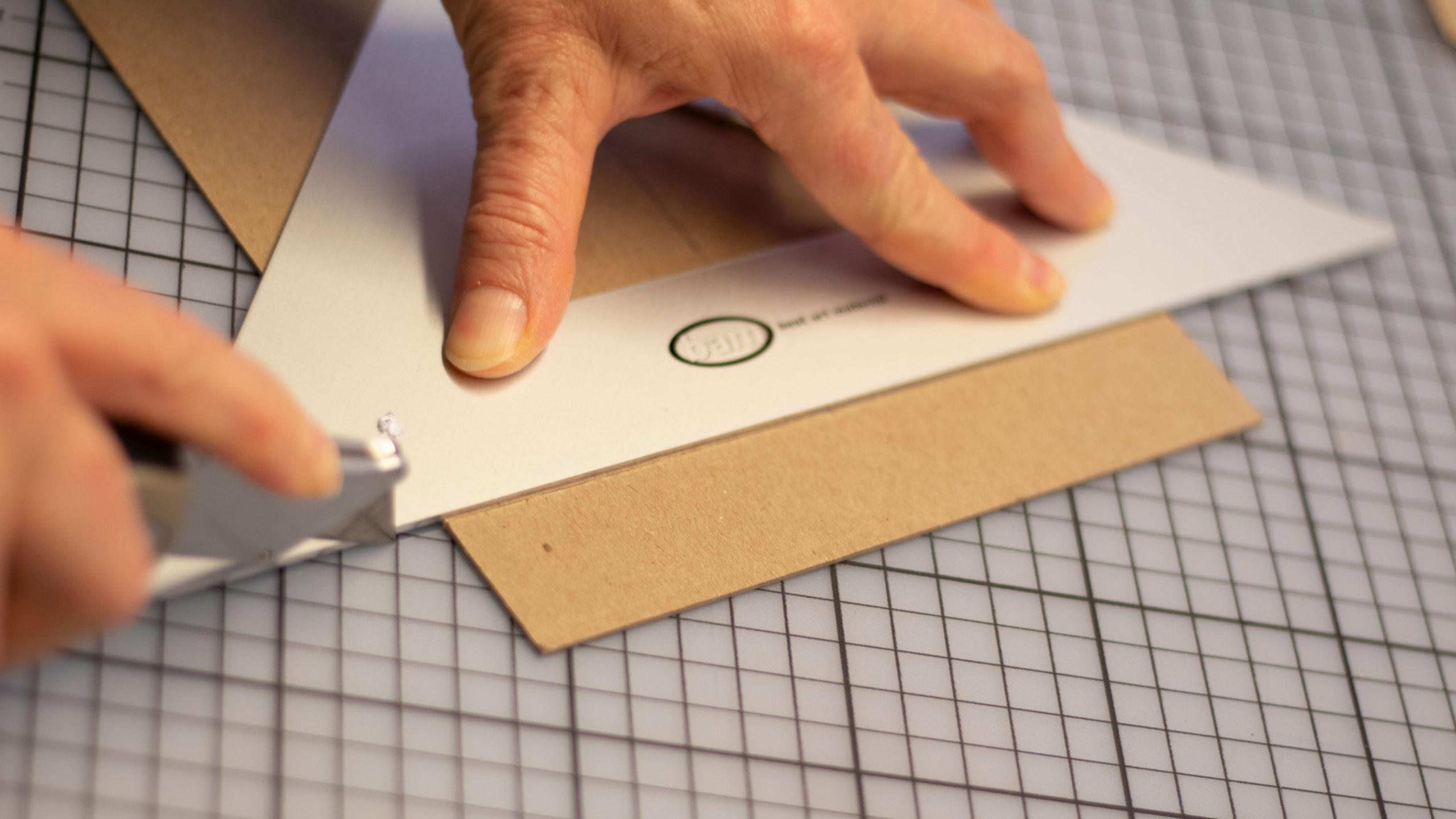 Bucheinband zuschneiden